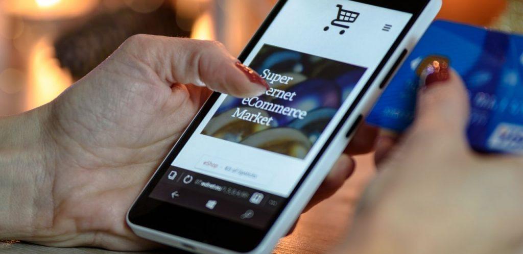 Mobile Commerce Shopping via Smart Phone